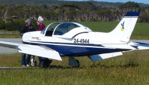 Russ Grosvenor and David Coillins secure Pioneer 4944 at King Island.